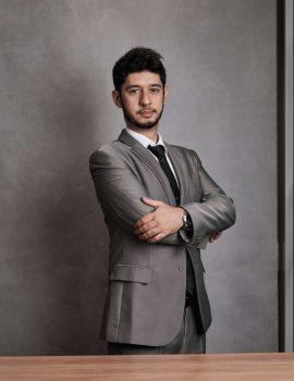 Dr. Raphael Moura